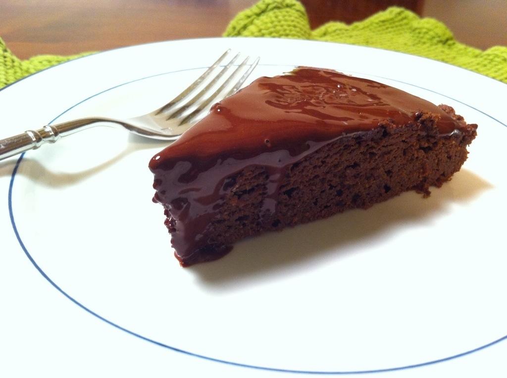 Paleo Fudge Cake