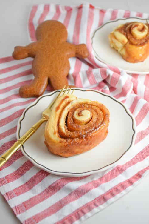 Gingerbread Cinnamon Rolls Recipe