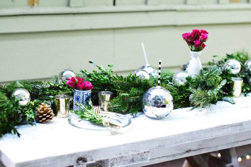 gracious-garlands-holiday-2016_glam-holiday-table